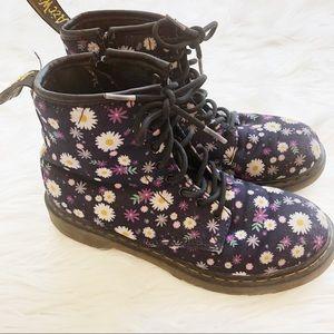 Little Girls Flower Power Dr Martens Sz4